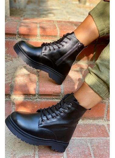 İnan Ayakkabı BAYAN BOT FERMUARLI Siyah